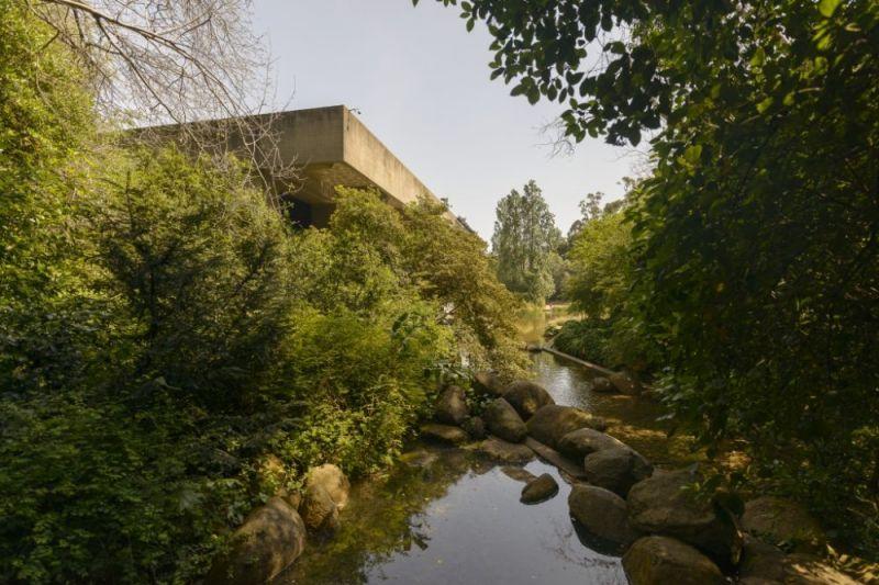 Lago principal del jardín de la fundación Gulbenkian