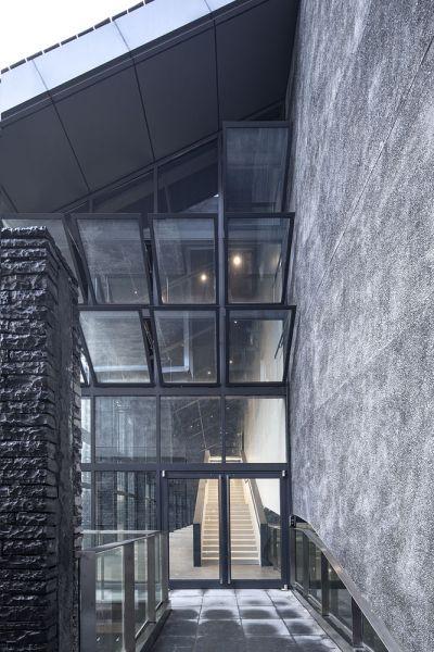 arquitectura y empresa_jishou art museum_acceso