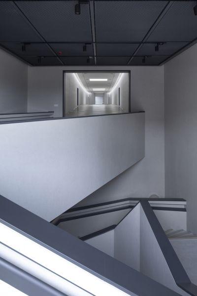 arquitectura y empresa_jishou art museum_escalera