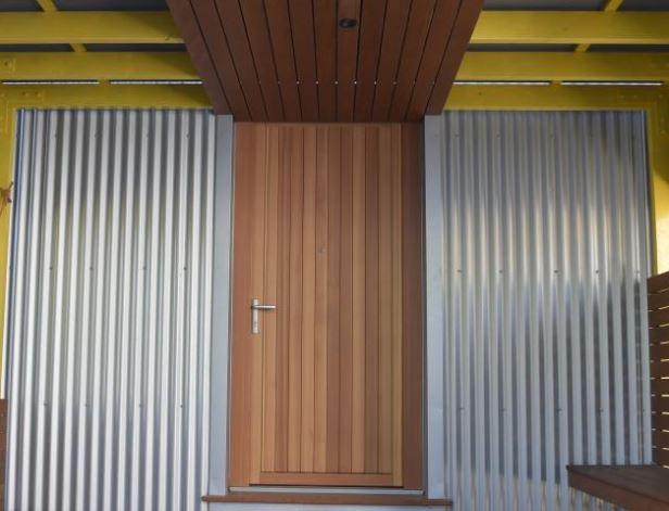 arquitectura_y_empresa_Kowhai House_fachada acceso
