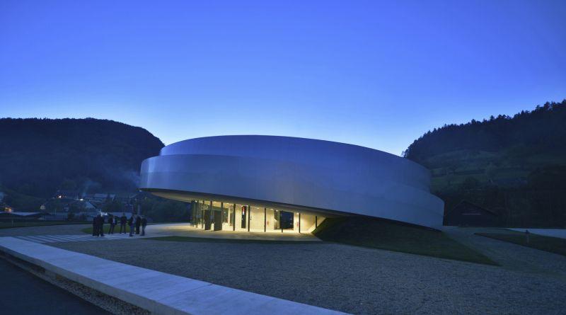 Centro Cultural KSEVT - entrada al edificio