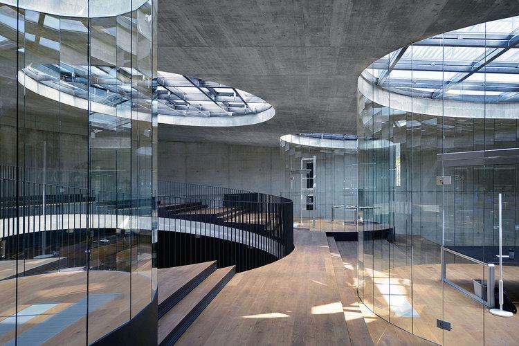 Centro Cultural KSEVT - Patios circulares