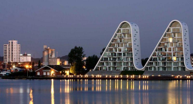 la ola _henning-larsen-architects_imagen nocturna