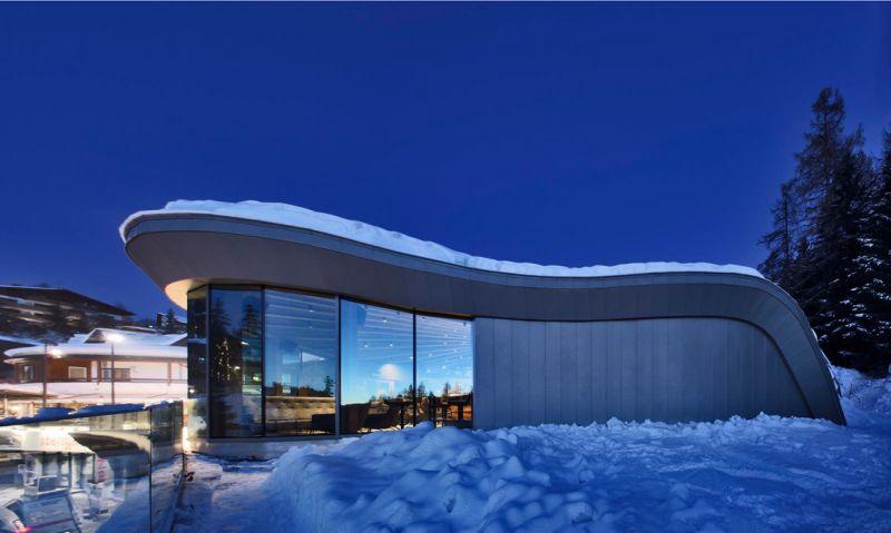 arquitectura y empresa_Loox Lounge Bar_fachada vidrio