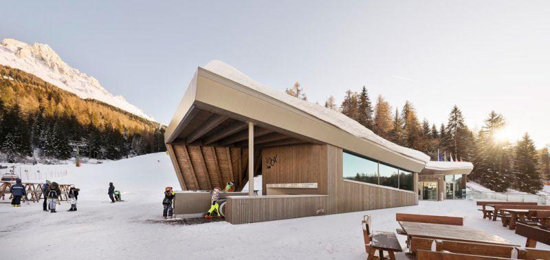 arquitectura y empresa_Loox Lounge Bar_acceso terraza