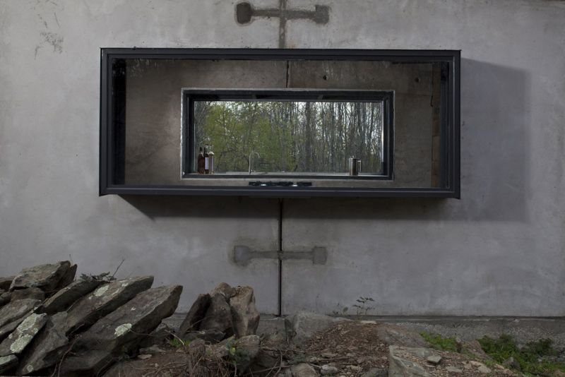 arquitectura_y_empresa_lost whiskey cabina_ventana