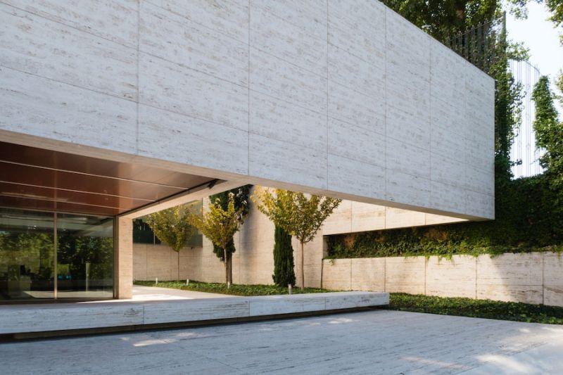 Rafael de La-Hoz. Edificio Castelar Pérez-Llorca (1983). Foto de Ximo Michavila