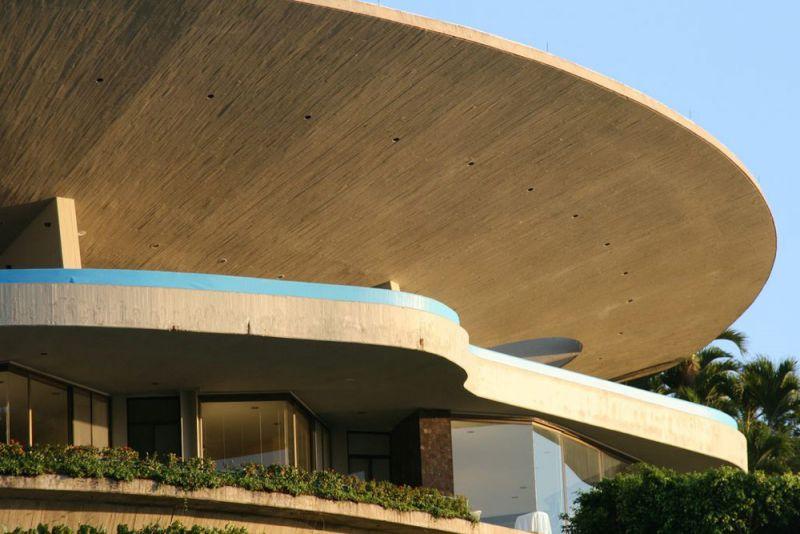 arquitectura casa arango john lautner vista exterior voladizo hormigon