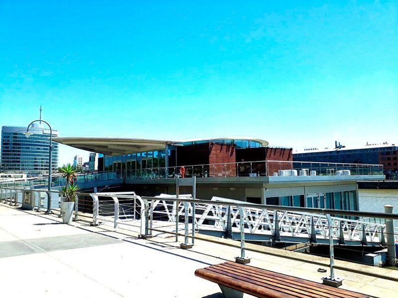 arquitectura  estructura vidriada madero walk