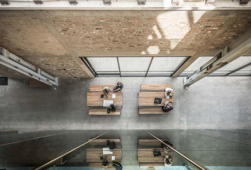 arquitectura_y_empresa_Mason Bros_corredor int cenital