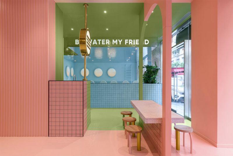 Imagen de detalle del interior del restaurante con las tres zonas de tres colores diferentes