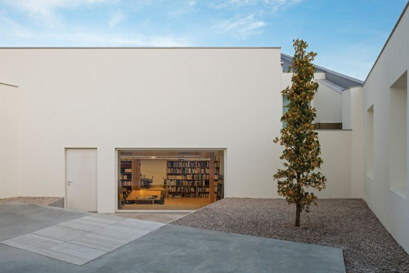 house+atelier patio Inês Lobo