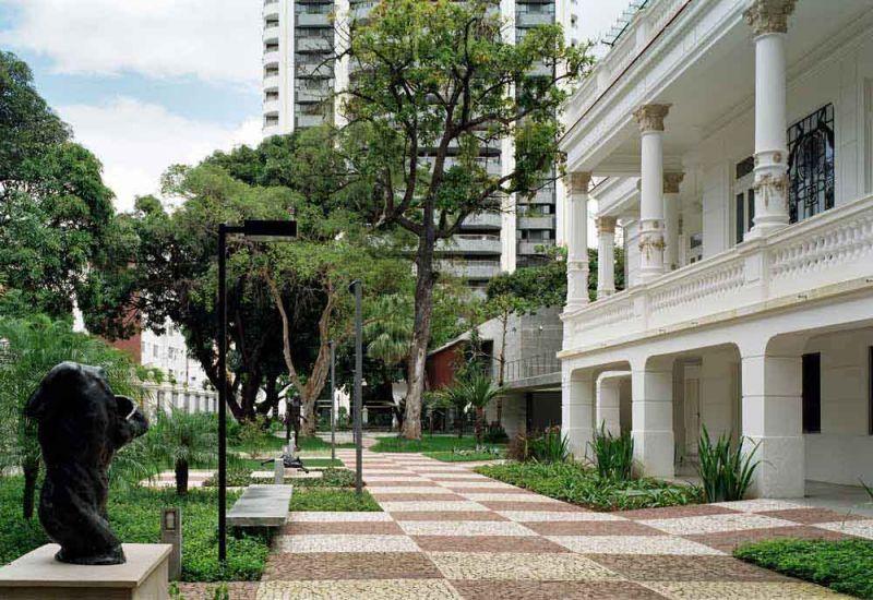 Museo Rodin Bahia_ Acceso edificio antiguo