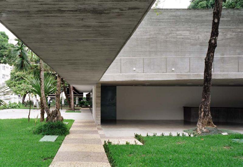 Museo Rodin Bahia_ pasarela hormigón conexión