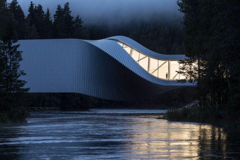 museo twist_ vista iluminado y rio
