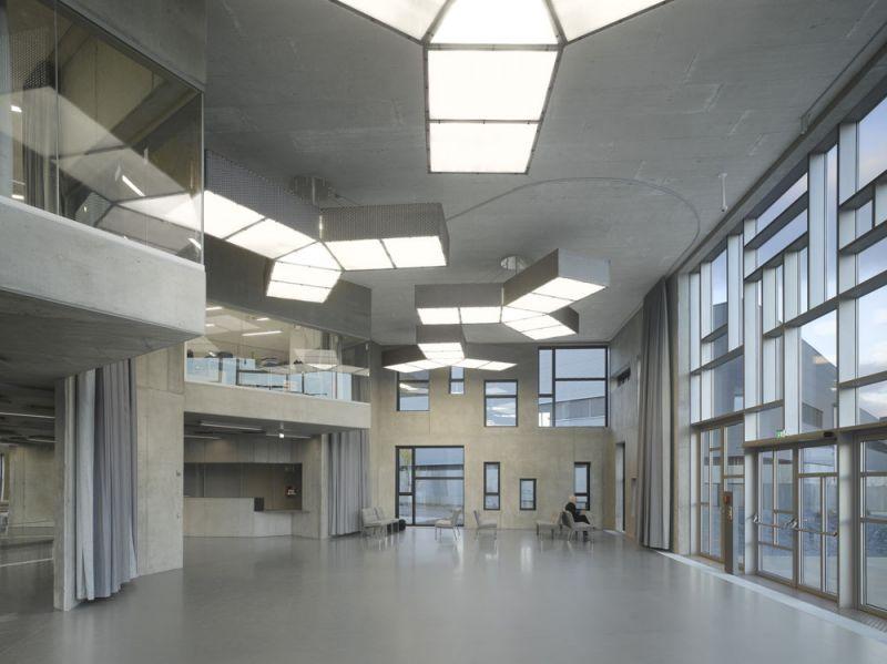 arquitectura universidad de ejecutivos de economia en viena foto interior acceso sala espera