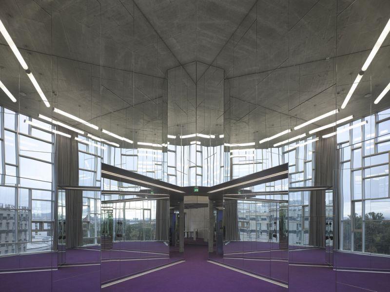 arquitectura universidad de ejecutivos de economia en viena foto interior aaceso espejos