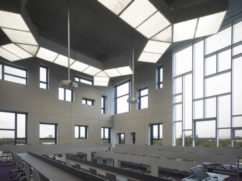 arquitectura universidad de ejecutivos de economia en viena foto interior sala conferencias