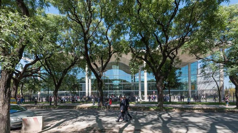 arquitectura  plaza exterior jefatura porteña