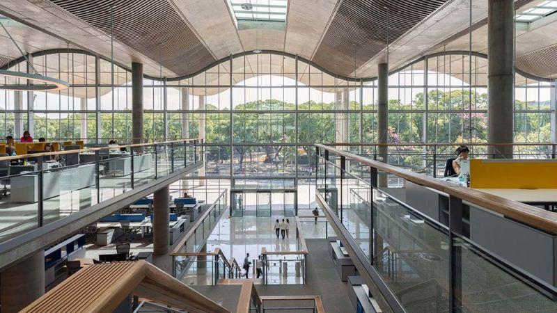 arquitectura  tres niveles de circulación jefatura porteña
