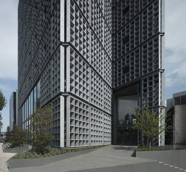 arquitectura carlos ferrater oab torre hipodromo foto principal fachada acceso oficinas