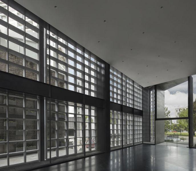 arquitectura carlos ferrater oab torre hipodromo foto interior planta baja hall