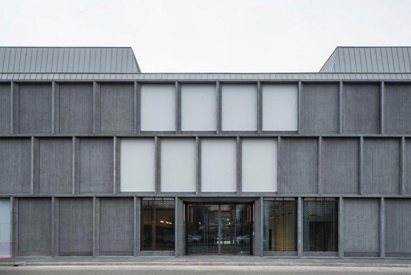 Imagen del edificio fachada hacia la calle rodada