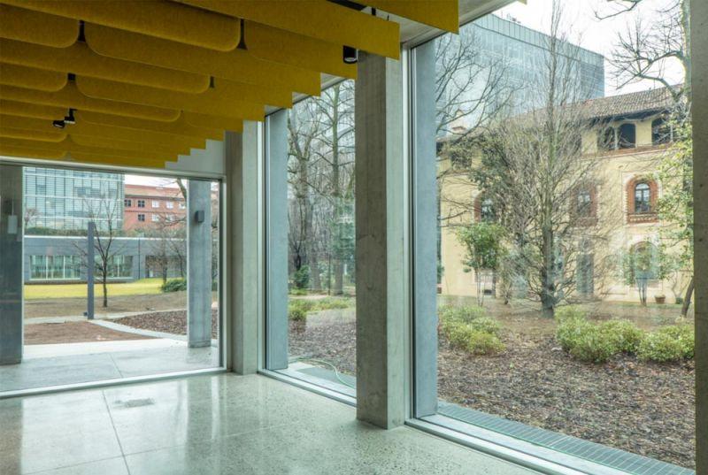 Imagen del interior del edificio y visuales con el espacio exterior