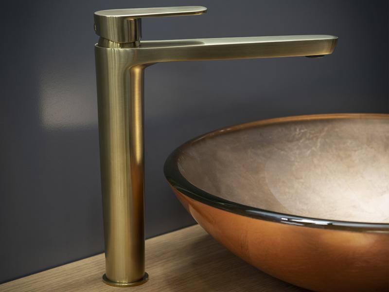 Arquitectura y Empresa, Ramon Soler, oro cepillado, grifería, baño, cocina, colección Alexia, colección Tzar, tendencias diseño, decoración