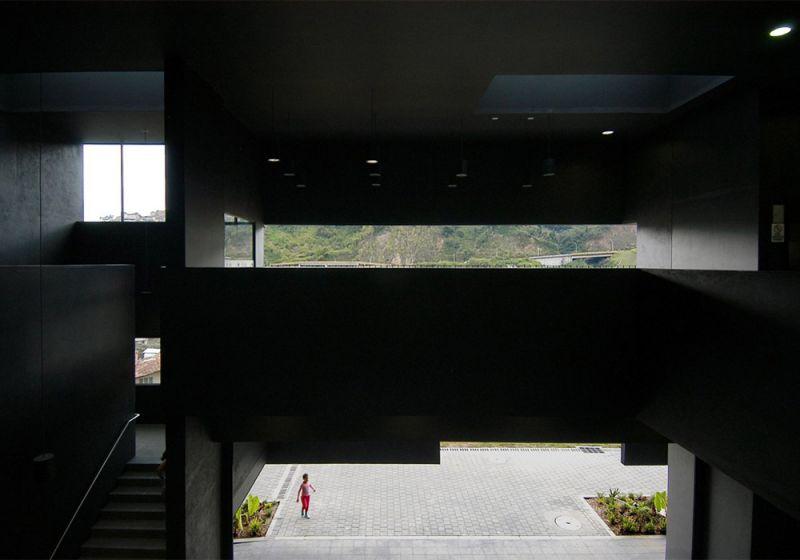Interior Parque Biblioteca Fernando Botero