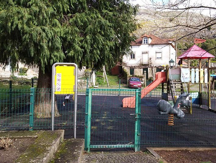 parques infantiles prefabricados estandarizados normativa europea
