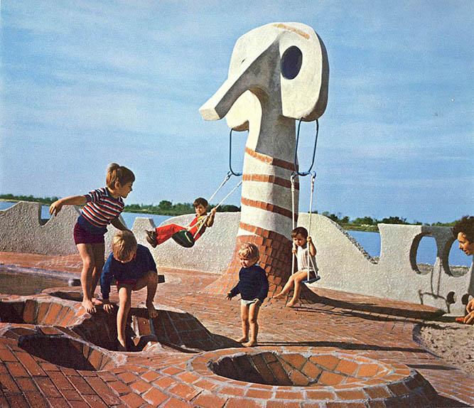 parque infantil ladrillo Goalard y Marchais