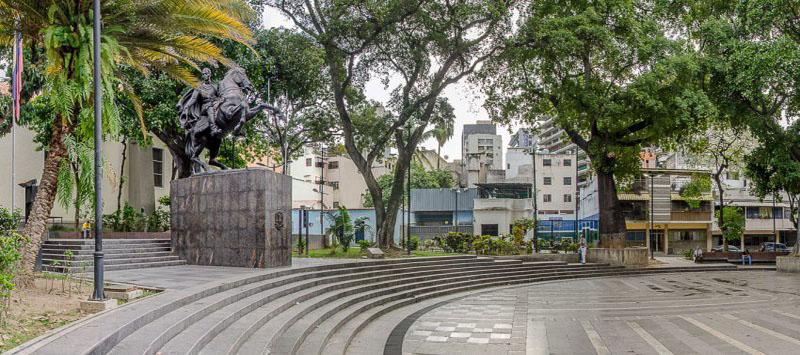 Plaza-Bolívar-de-Chacao
