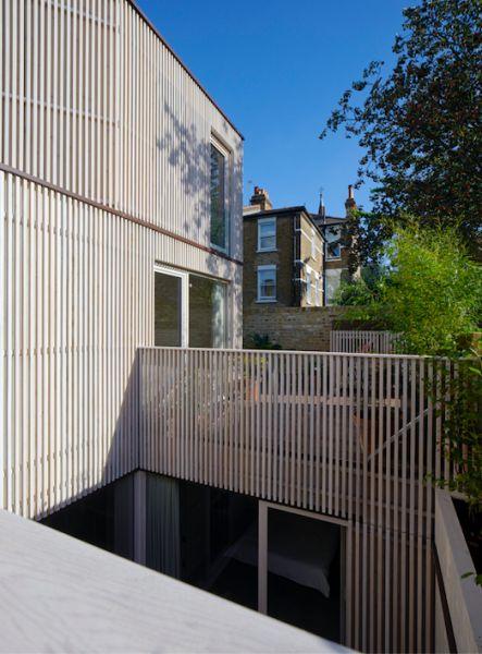 arquitectura_y_empresa_pocket house_patio inglés