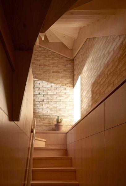 arquitectura_y_empresa_pocket house_escalera