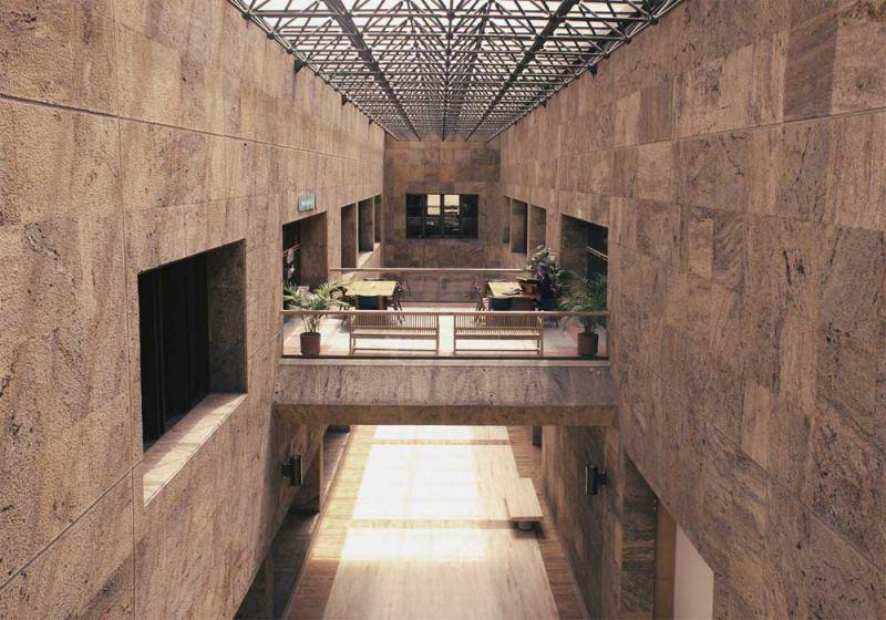 Puentes salas de lectura de la Biblioteca Luis Ángel Arango