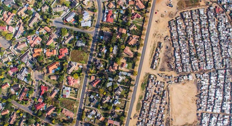 Fotografía aérea de región en Bloubosrand, Sudáfrica. Por Unequal Scenes.