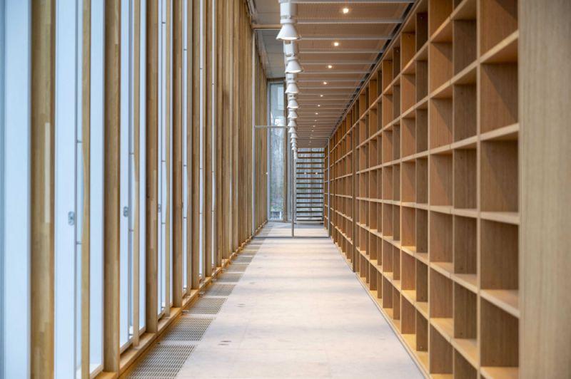 arquitectura maison de l´ordre des avocats accoya foto interior pasillo madera vigam