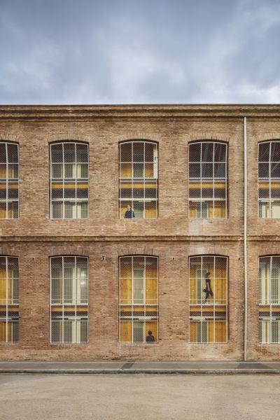 arquitectura_y_empresa_Roldan-Berengué_fachada det2