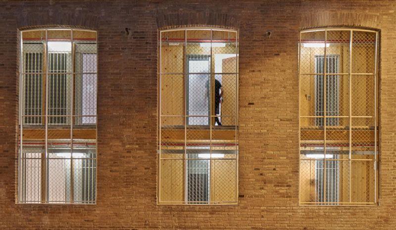 arquitectura_y_empresa_Roldan-Berengué_fachada det ventanas