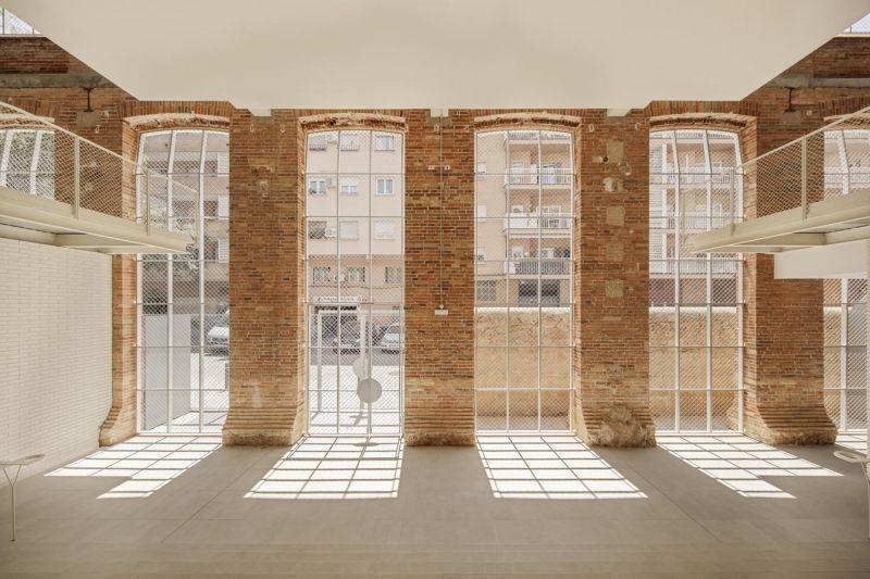 arquitectura_y_empresa_Roldan-Berengué_fachada det ventanas2