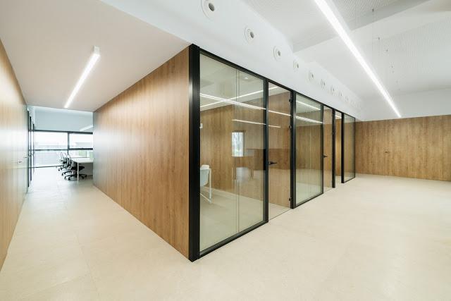 arquitectura y empresa_Ruben Muedra_Oficinas Idai_cajas