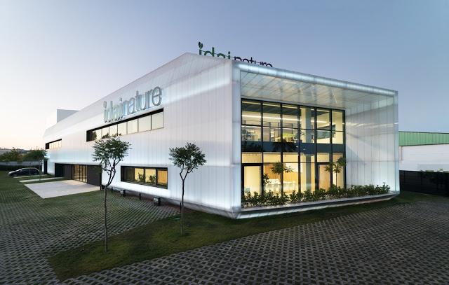 arquitectura y empresa_Ruben Muedra_Oficinas Idai_fachada