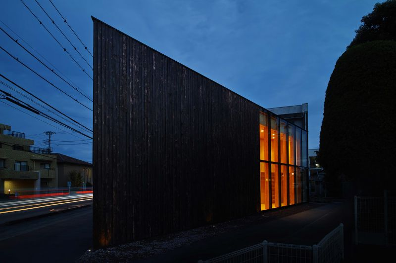 arquitectura_y_empresa_Sachi House_luz noche