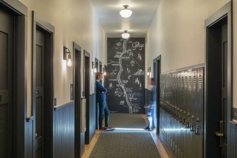 arquitectura_y_empresa_Society Hotel Bingen_corredor