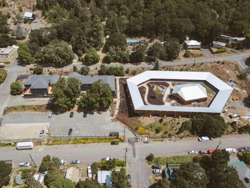 arquitectura_y_empresa_Society Hotel Bingen_lugar