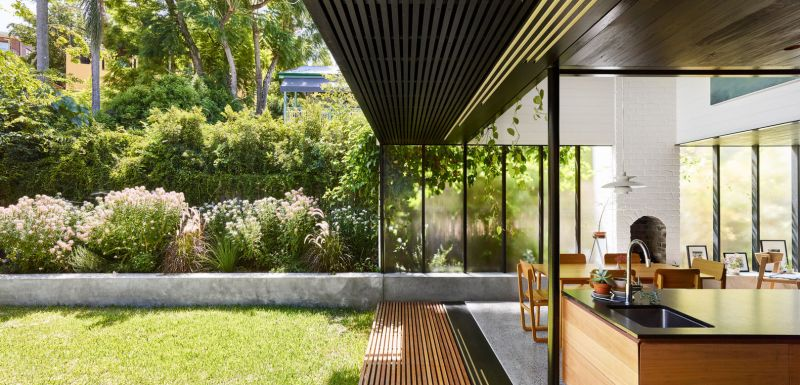 arquitectura_y_empresa_TerrariumHouse_patio-salón