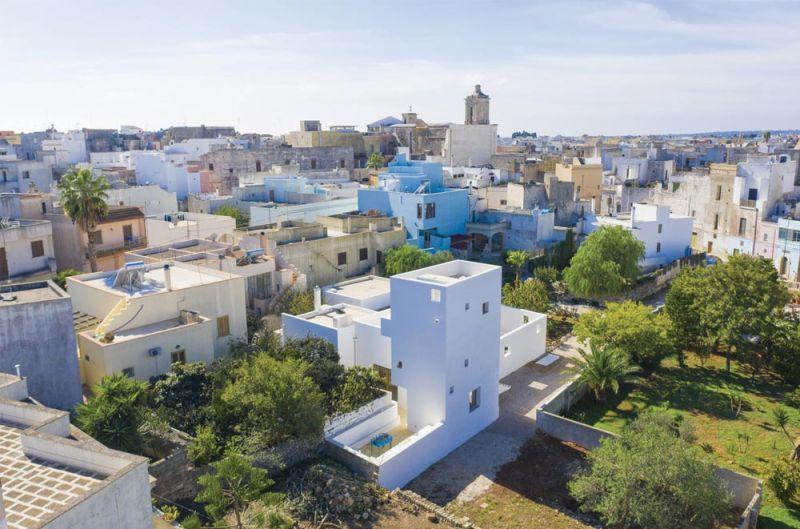 imagen del edificio dentro del contexto urbano en el que se emplaza