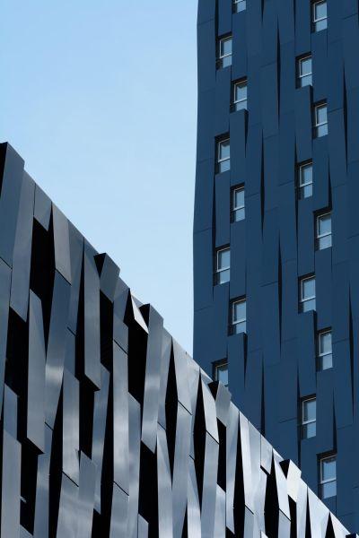 Conexión entre el bloque horizontal y la torre