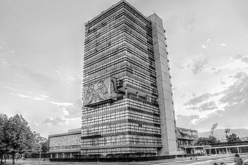 arquitectura_y_empresa_Torre_Rectoría_ByN